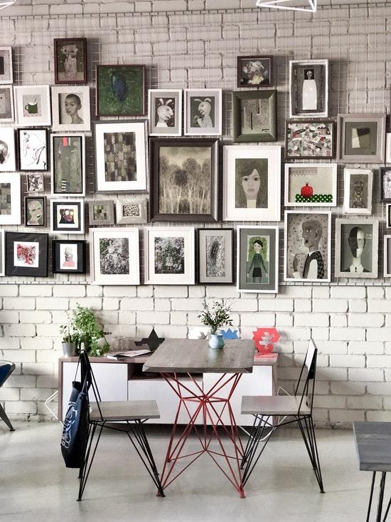 Portrait muur